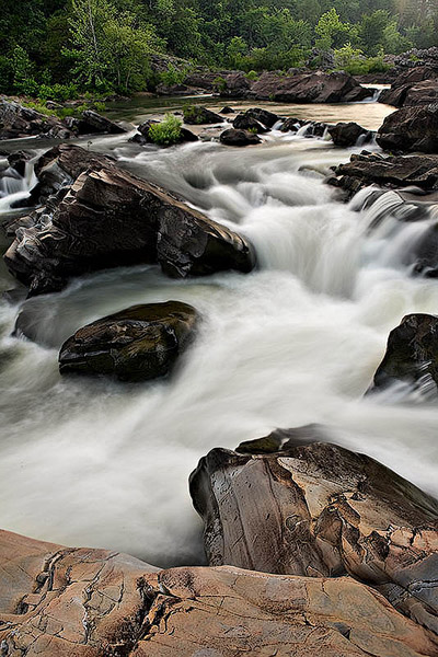 The Washing Machine is a class IV rapid in the falls section of the Cossatot River