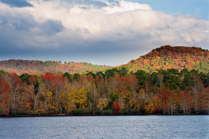 Fall colors along Cove Lake, Ozark National Forest